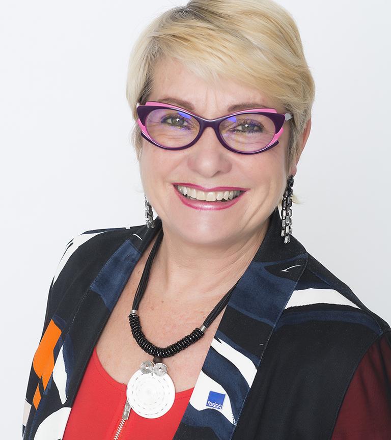 Esther Bergeron Secrétaire
