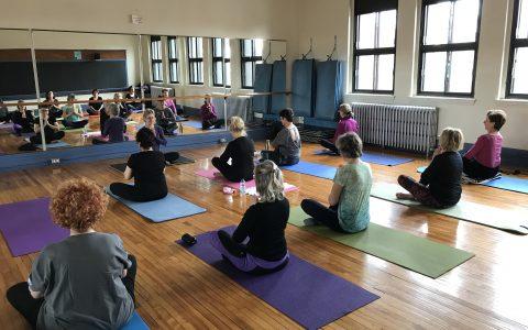 Yoga sur tapis