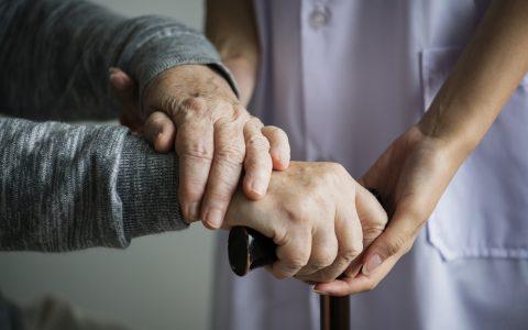 CHSLD et soutien à domicile : le Réseau FADOQ réclame un redressement rapide
