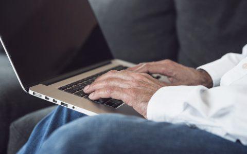 Le Réseau FADOQ veut que cessent les pratiques trompeuses en télécoms