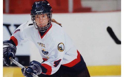 Artemis Erfle se bat pour valoriser le hockey féminin