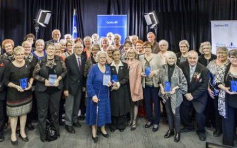 Suzanne Forestier reçoit le Prix Hommage Aînés