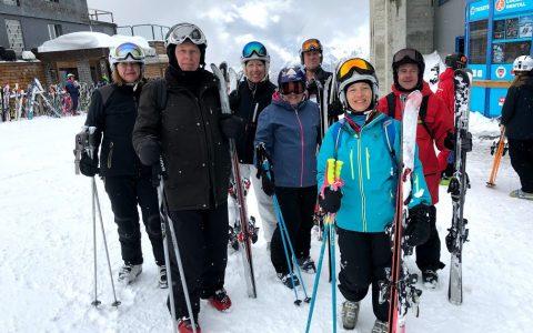 La ski offre des bienfaits pour la santé et le bien-être
