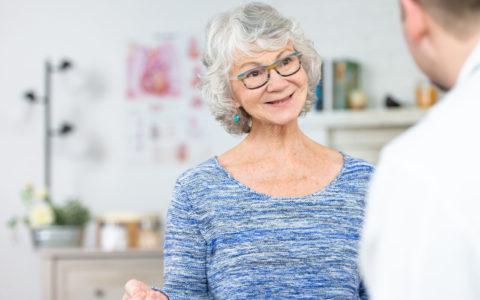 Budget Québec 2021: rehausser le bien-être des aînés