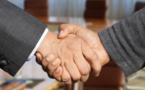 Le Réseau FADOQ et Intact Assurance renouvellent leur partenariat