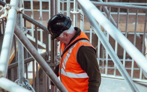 Régime de santé et de sécurité du travail: une douche froide pour les travailleur...
